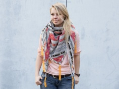 Coudre un foulard triangle à franges