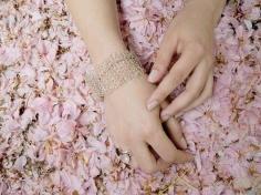 Réalisez un bracelet en fil de fer crocheté